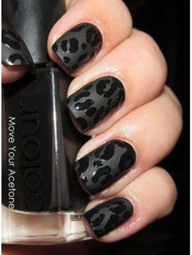 black-matte-and-gloss-animal-print-nail-art
