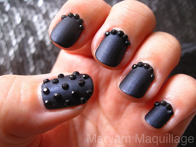 matte_black_nails
