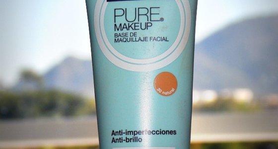 Base Pure Makeup Maybelline: Ideal para peles mistas e oleosas.