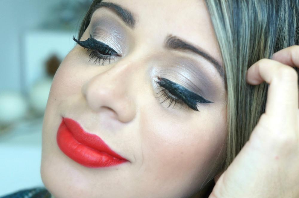 maquiagem- usando- 1 paleta -e 1 pincel