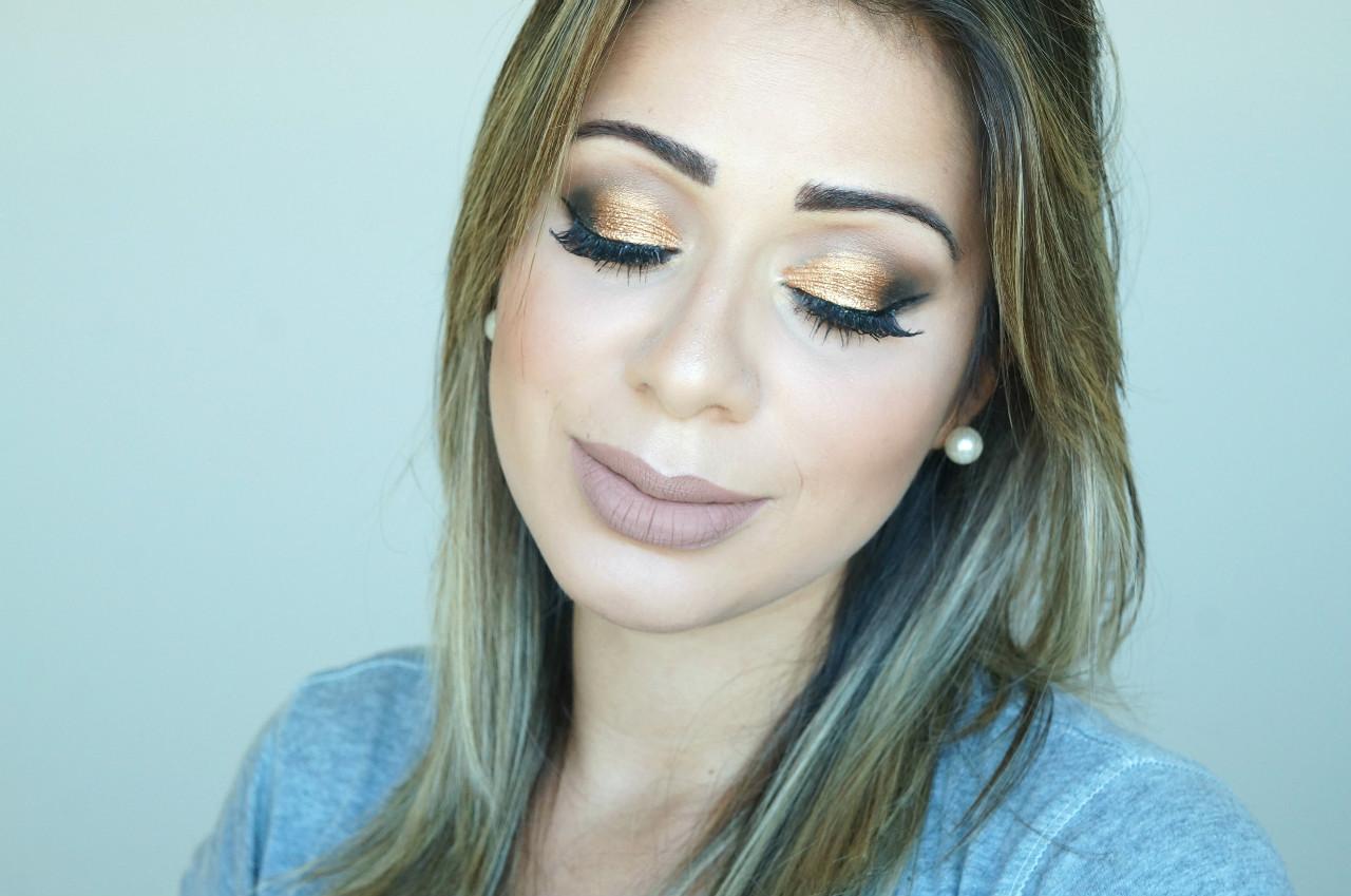 Maquiagem- pálpebra -luz- com -pigmento -dourado
