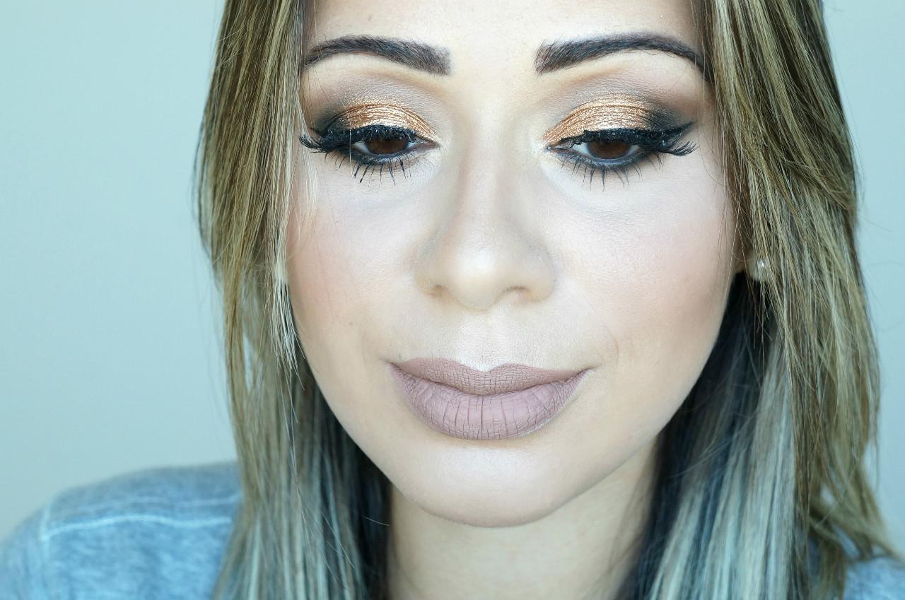 Maquiagem- pálpebra- luz -com -pigmento -dourado-02